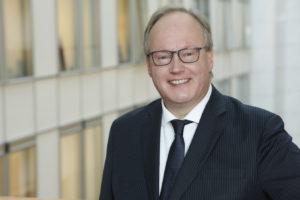 Hans van Baalen baalt van de nieuwe dienstregeling van de Beneluxtrein.
