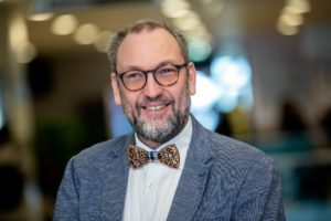 Lucas Meijs, hoogleraar vrijwilligerswerk: 'Meer vrijwilligers? Maak het ze minder moeilijk'